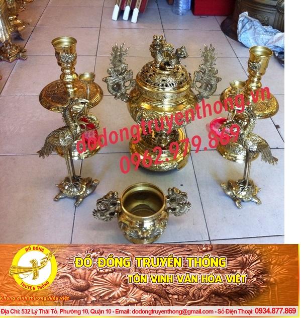 Cách chọn lư đồng đại phát hợp với bàn thờ gia tiên