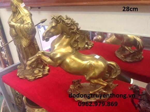 tượng ngựa cất vó cao 25 cm