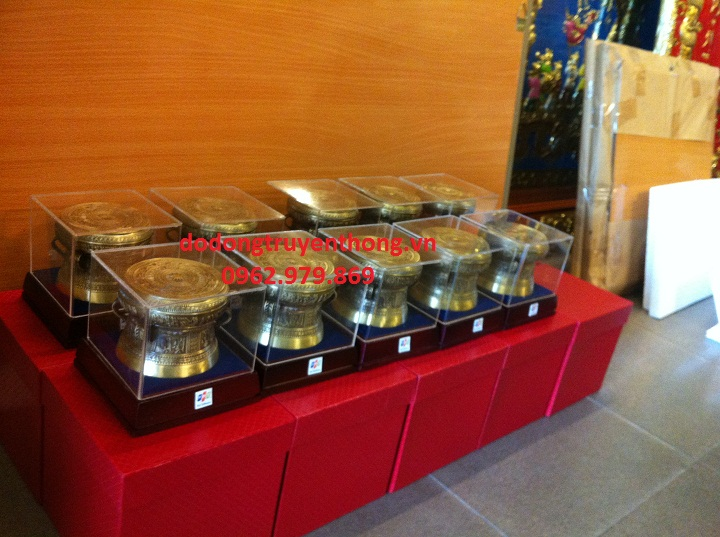 trống đồng quà tặng bằng đồng