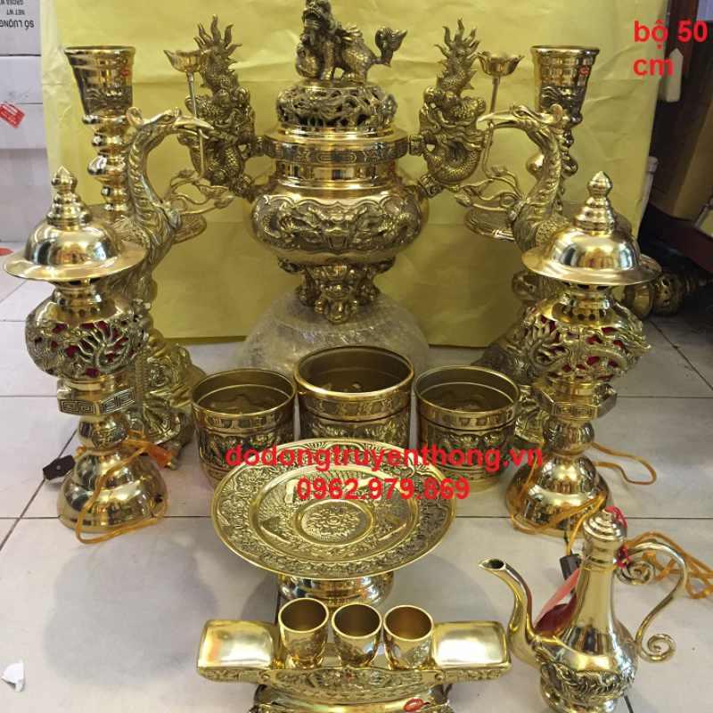 Cách bày lư hương trên bàn thờ gia tiên sao cho đúng